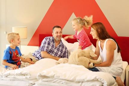 Familienzimmer im Schwesterhotel Sporthotel ROYAL X am Millstätter See – Urlaub in Kärnten am See