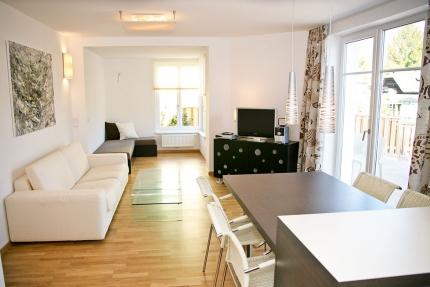Seevilla Cattina – Wohnzimmer im Appartement Seerose – Appartements am Millstätter See in Kärnten – Urlaub in Kärnten am See