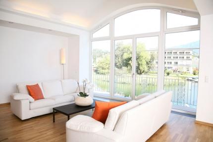 Seevilla Cattina – Wohnzimmer im Appartement Wasserlilie – Appartements am Millstätter See in Kärnten – Urlaub in Kärnten am See