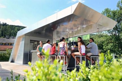 X-Bar – Strandbar beim Schwesterhotel ROYAL X am Millstätter See – Urlaub in Kärnten am See – Ferienhäuser Leitner