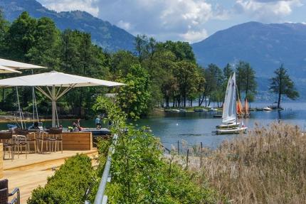 Aussicht auf den Millstätter See – X-Bar – Strandbar beim Schwesterhotel ROYAL X am Millstätter See –Urlaub in Kärnten am See – Ferienhäuser Leitner