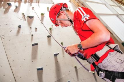 Klettern & Bouldern in der Sporthalle des Schwesterhotels Sporthotel ROYAL X – Ferienhäuser Leitner – Ferienhaus am Millstätter See – Familienurlaub in Kärnten am See