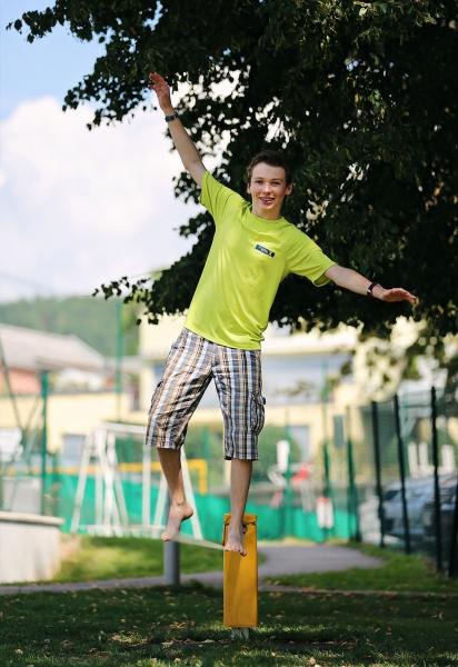 Slackline beim Schwesterhotel Sporthotel ROYAL X - Ferienhäuser Leitner – Ferienhaus am Millstätter See – Familienurlaub in Kärnten am See