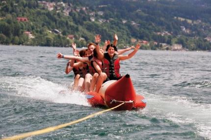 Bananaboat fahren am Millstätter See – Ferienhäuser Leitner – Urlaub in Kärnten am See – Urlaub am Millstätter See