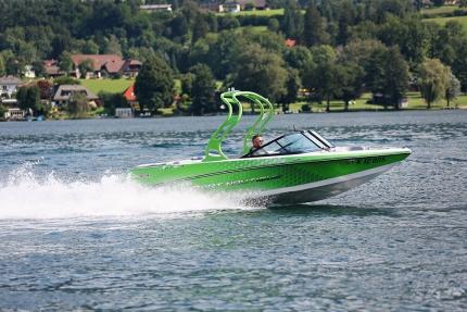 Motorboot am Millstätter See – Ferienhäuser Leitner – Urlaub in Kärnten am See – Urlaub am Millstätter See