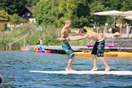 Surfbretter – Schwesterhotel Sporthotel ROYAL X am Millstätter See – Ferienhäuser Leitner – Urlaub in Kärnten am See